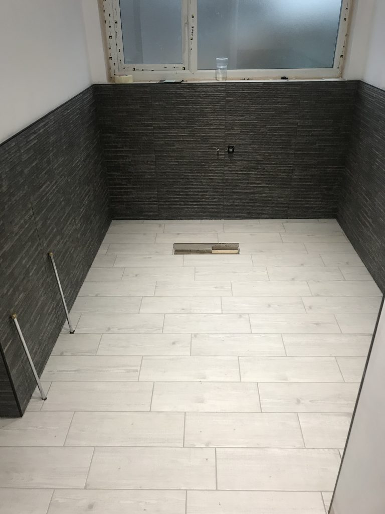Bathroom Tiling in Sheffield by Andy coldwell Tiling excellence