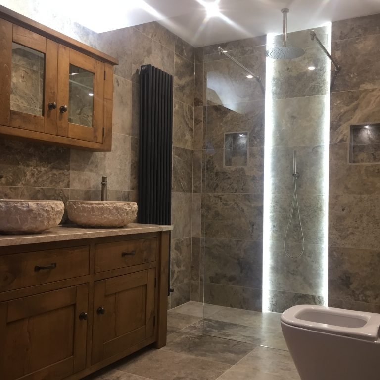 Marble wet room in Sheffield by Andy Coldwell - Tiling Excellence